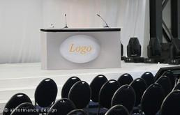 Bodenobjekt: Lochkubix-Tisch