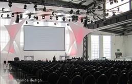 Bühnenbild-Beispiel: Strechsegel-Installation