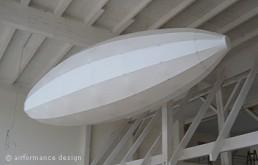 Ladenbau: Zeppelin-Objekte aus Stoff